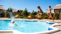¿Cómo afecta la piscina a tu piel?